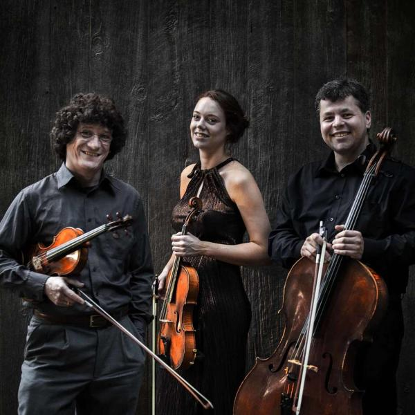 The Jacques Thibaud String Trio with Tao Lin, piano