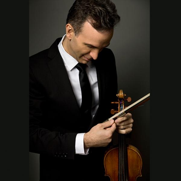 Violinist Gil Shaham dazzles in Great Artists Series recital